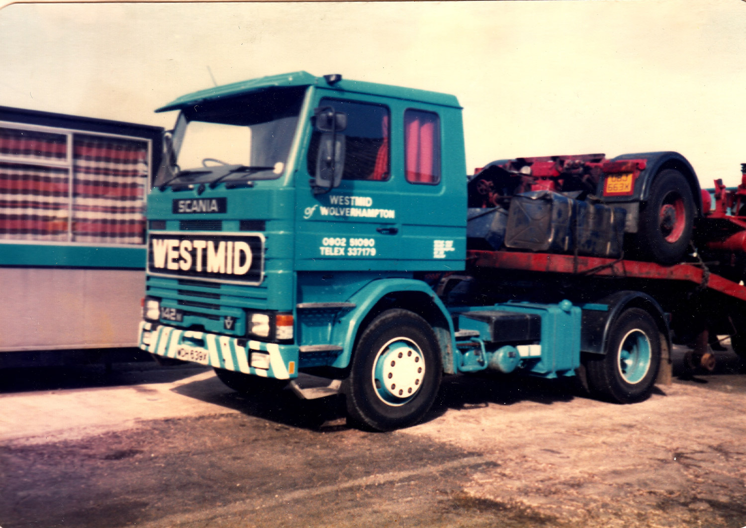 Westmid's first Scania R142 V8 tractor unit.